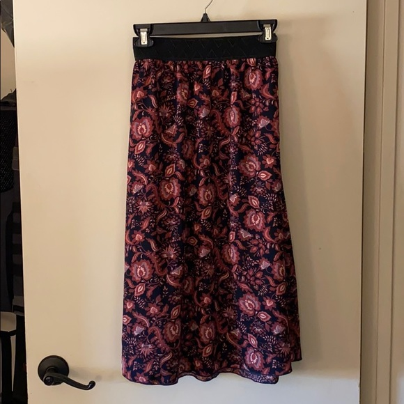 LuLaRoe Lola just-below-the-knee skirt